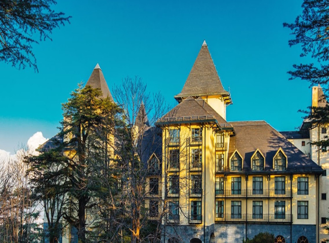 Wildflower Hall, An…