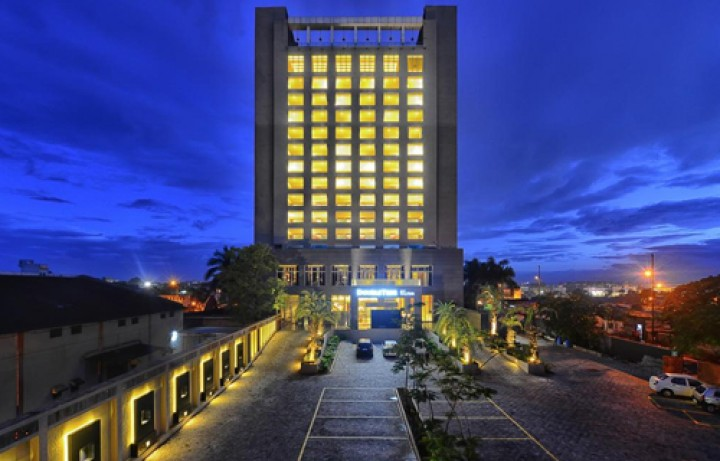 DoubleTree by Hilton…